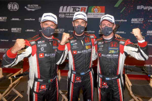 Guerrieri puts Civic Type R TCR on pole in qualifying at Estoril