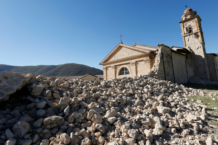 A church on the road to Norcia.